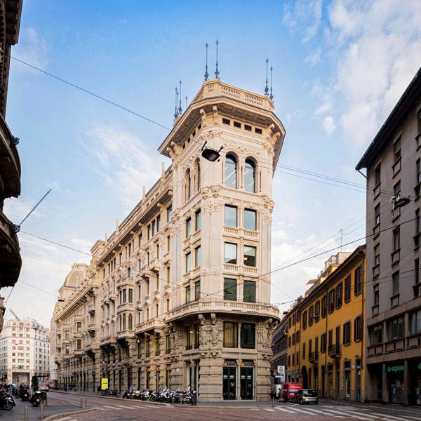 The Angle, Milan